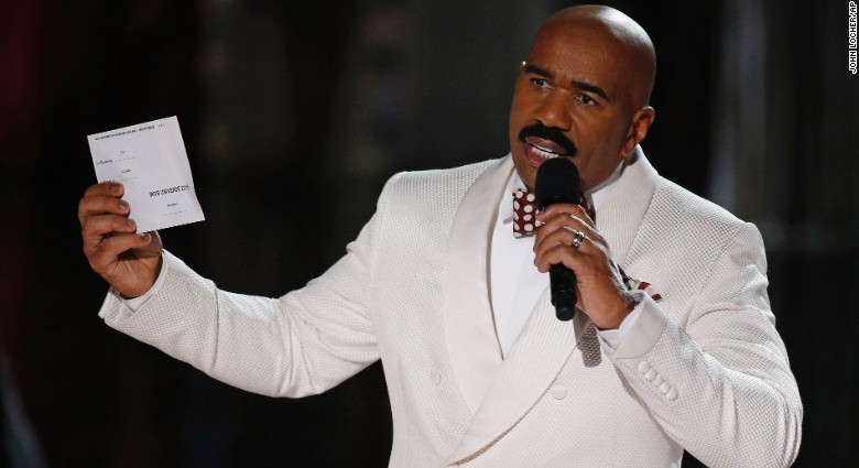 Steve Harvey reads the correct Miss Universe winner