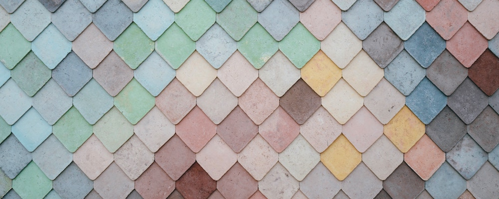 A tile mosaic with randomly distributed colors